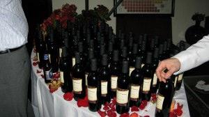 wineUdesign-anniversary-bottle